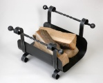 Zobrazit detail - koš na dřevo kovaný HARMONY